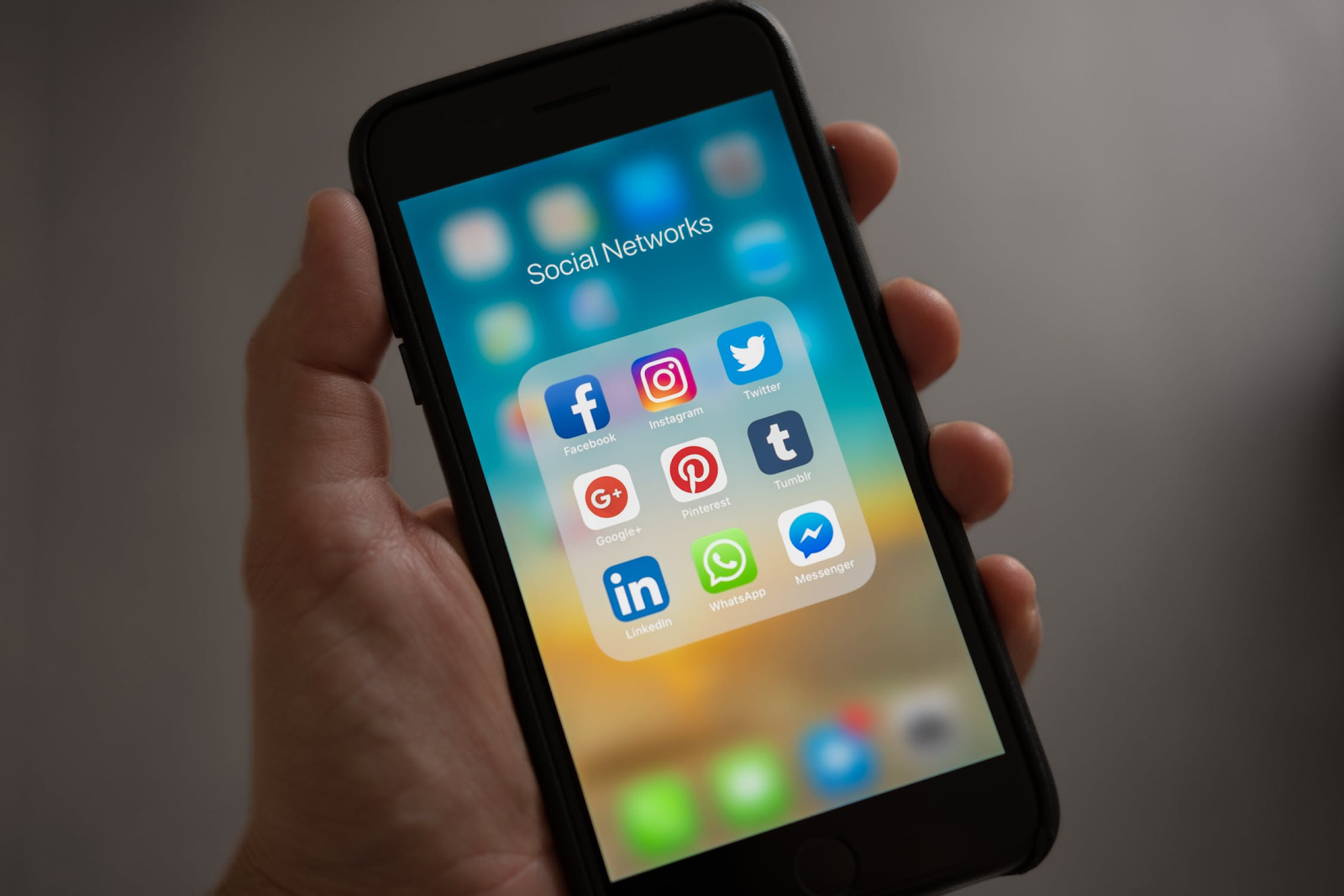 Social Media Strategy Ideas for Window Dealers Header